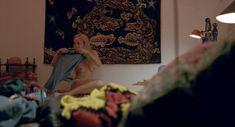 Голая Дакота Джонсон в фильме «Больший всплеск» фото #19