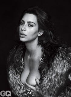 Ким Кардашьян голышом в журнале GQ фото #5