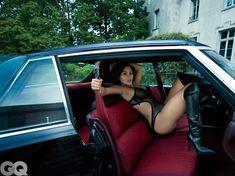 Ким Кардашьян голышом в журнале GQ фото #10