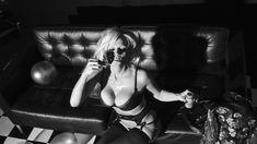 Памела Андерсон в белье для LOVE фото #3