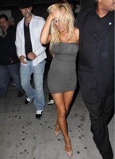 Памела Андерсон без бюстгальтера в Голливуде фото #3