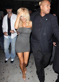 Памела Андерсон без бюстгальтера в Голливуде фото #5