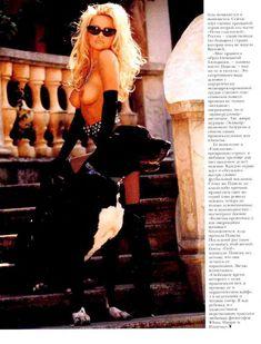 Голая грудь Памелы Андерсон в журнале Playboy фото #6