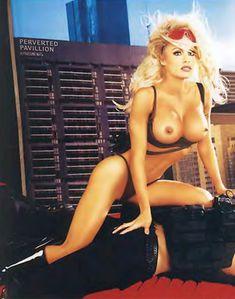 Памела Андерсон разделась для журнала Playboy фото #4