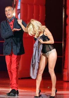 Памела Андерсон в сексуальном белье на телешоу фото #7