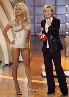 Памела Андерсон в соблазнительном наряде на телешоу Welcome to Carmen Nebel фото #2
