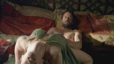 Голая Ева Грин в сериале «Камелот» фото #1
