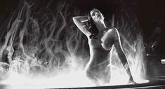Голая Ева Грин в фильме «Город Грехов 2: Женщина, ради которой стоит убивать» фото #18