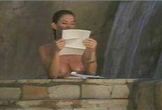 Голая Ава Фабиан в сериале «Эротические признания» фото #10