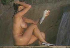 Голая Ава Фабиан в сериале «Эротические признания» фото #11