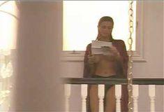 Голая Ава Фабиан в сериале «Эротические признания» фото #15