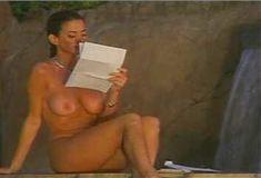 Голая Ава Фабиан в сериале «Эротические признания» фото #19
