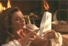 Голая Ава Фабиан в сериале «Эротические признания» фото #21