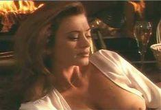 Голая Ава Фабиан в сериале «Эротические признания» фото #22
