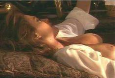 Голая Ава Фабиан в сериале «Эротические признания» фото #23