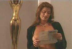 Голая Ава Фабиан в сериале «Эротические признания» фото #43