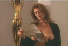 Голая Ава Фабиан в сериале «Эротические признания» фото #44