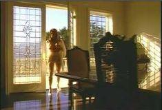 Голая Ава Фабиан в сериале «Эротические признания» фото #45