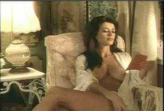 Голая Ава Фабиан в сериале «Эротические признания» фото #50