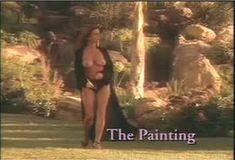 Голая Ава Фабиан в сериале «Эротические признания» фото #53