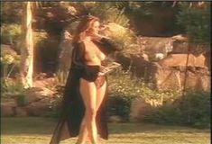 Голая Ава Фабиан в сериале «Эротические признания» фото #54