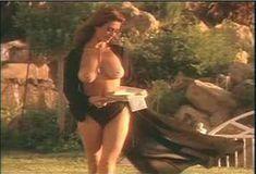 Голая Ава Фабиан в сериале «Эротические признания» фото #55