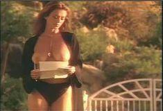 Голая Ава Фабиан в сериале «Эротические признания» фото #56