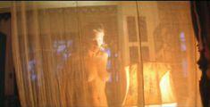 Голая Аврора Клеман в фильме «Апокалипсис сегодня» фото #1