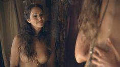 Красотка Айс Тезел снялась голой в сериале «Спартак: Война проклятых» фото #6