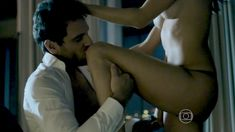 Голая Алессандра Амброзио в сериале «Тайные истины» фото #2
