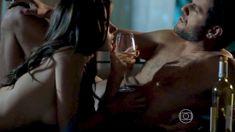 Голая Алессандра Амброзио в сериале «Тайные истины» фото #6