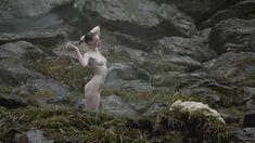 Голая Алисса Сазерленд в сериале «Викинги» фото #2