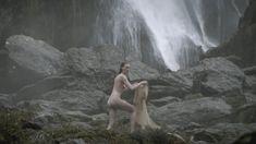 Голая Алисса Сазерленд в сериале «Викинги» фото #4