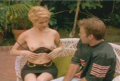Голая Анджела Дейвис в сериале «Лучший секс в вашей жизни» фото #1
