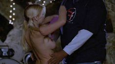 Голая Анджела Литтл в фильме «Американский пирог. Музыкальный лагерь» фото #14
