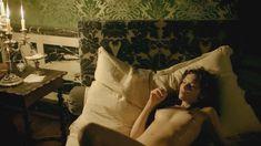 Голая Анна Брюстер в сериале «Версаль» фото #4