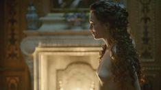 Голая Анна Брюстер в сериале «Версаль» фото #6