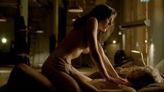 Голая Анна Силк в сериале «Зов крови» фото #6