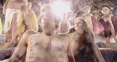 Голая Анне Луизе Хассинг в фильме «Гольциус и Пеликанья компания» фото #1