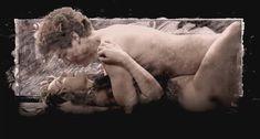 Голая Анне Луизе Хассинг в фильме «Гольциус и Пеликанья компания» фото #8