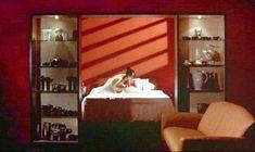 Анни Шизука Ино показала голую попку в фильме «8 1.2 женщин» фото #4