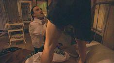 Ариадна Хиль засветила грудь в фильме «Порочный девственник» фото #3