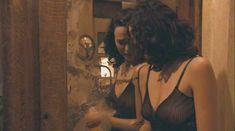 Ариадна Хиль засветила грудь в фильме «Порочный девственник» фото #8