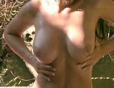 Ария Джованни снялась голой в фильме California Dreams Beach Blanket Malibu фото #1