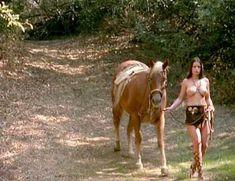 Ария Джованни снялась голой в фильме California Dreams Beach Blanket Malibu фото #11