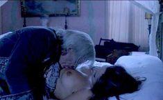 Барбара Де Росси оголила грудь и писю в фильме «Носферату в Венеции» фото #1