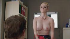 Голая Бетти Джилпин в сериале «Сестра Джеки» фото #6