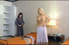Брижит Лаэ без одежды в фильме «Ночь охоты» фото #16