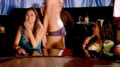 Голая Брук Баннер в сериале «Тайны и секреты личной жизни студентов» фото #12