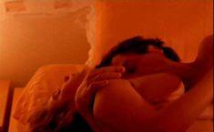 Голая Ваина Джоканте в фильме «Выжить» фото #19